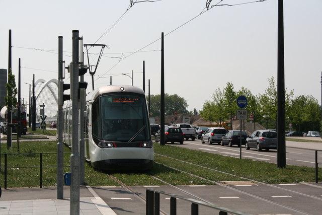 Die Tickettechnik der CTS wird in den nächsten drei Tagen umgestellt. Deshalb können die Mehrfachfahrscheine - Badgeos - nur am Ticketautomaten am Kehler Bahnhof aufgeladen werden.