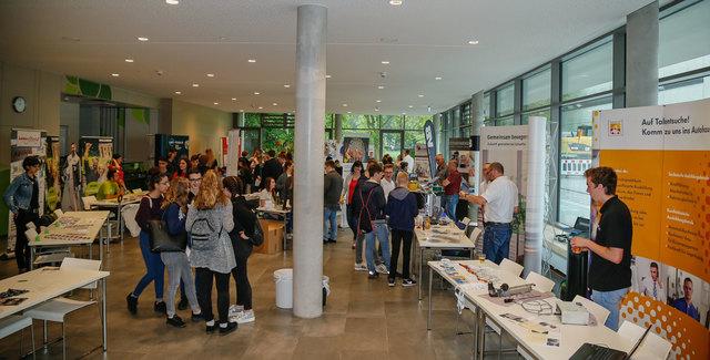 Jede Menge Informationen rund um die Berufsausbildung gab es am Donnerstag in der Otto-Hahn-Realschule.