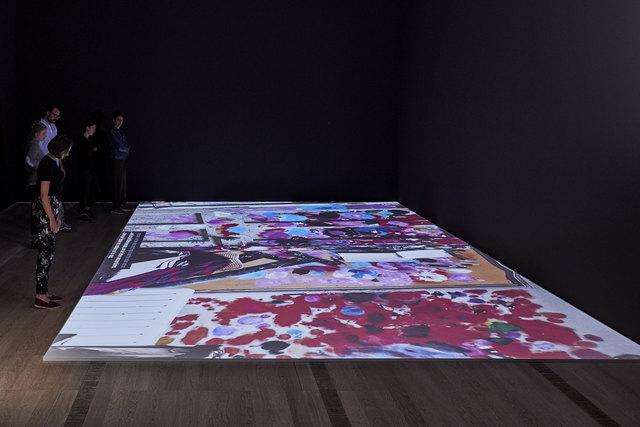 """Multimediaraum in der Ausstellung """"Bacon– Giacometti"""" in der Fondation Beyeler"""