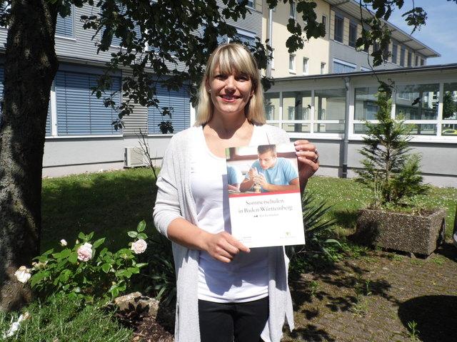Alexandra Herrmann, Leiterin des regionalen Bildungsbüros der Bildungsregion Ortenau e.V., stellt das Projekt in den Schulen vor.
