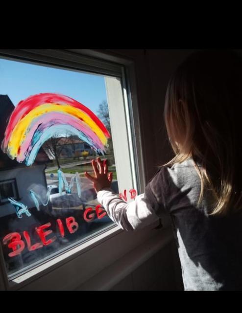 Regenbogen An Fenster Corona